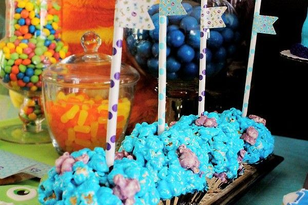 Mosters Inc Sulley Popcorn Balls #monstersinc #monstersincparty #monsterpartyideas
