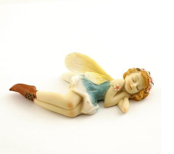 Sleeping Princess Garden Fairy Figurine ~ Miniature Fairies for Garden ~ Fairy Garden Supplies and Accessories ~ Fairy Home & Garden Decor – Hadas hermosas!
