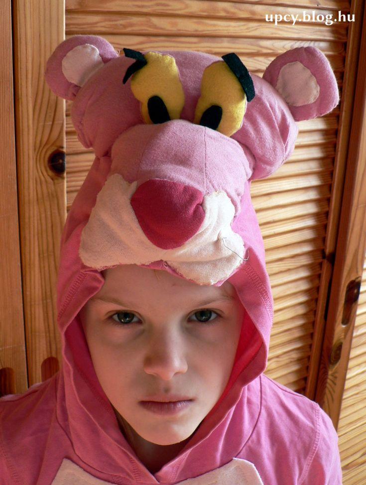 Recycled t-shirt Pink Panther costume.  Rózsaszín párduc jelmez egy régi kapucnis pólóból.