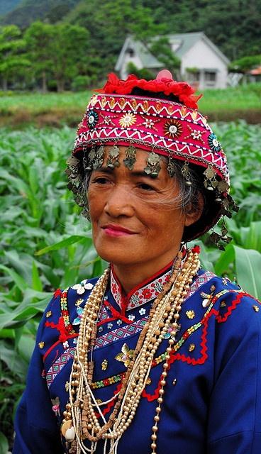 Taiwan | Portrait of a Bunun woman © Mark Cherrington.