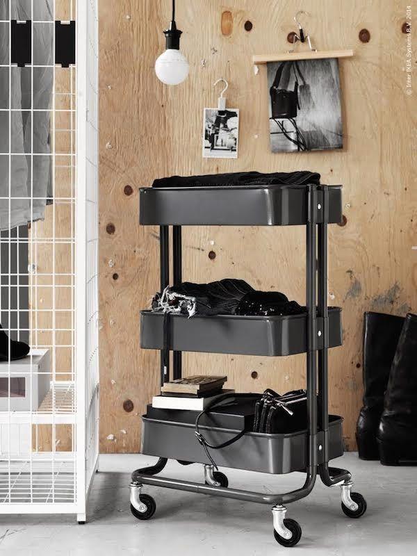 Ikea trolley zwart voor in Thyn z'n kamer