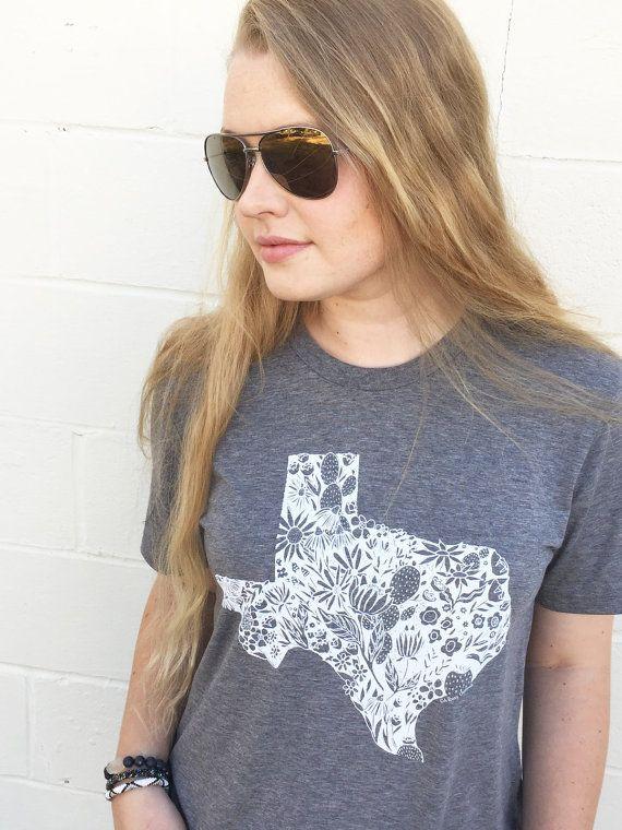 Love Texas Graphic Tee MEDIUM Texas Home Shirt by arosyoutlook