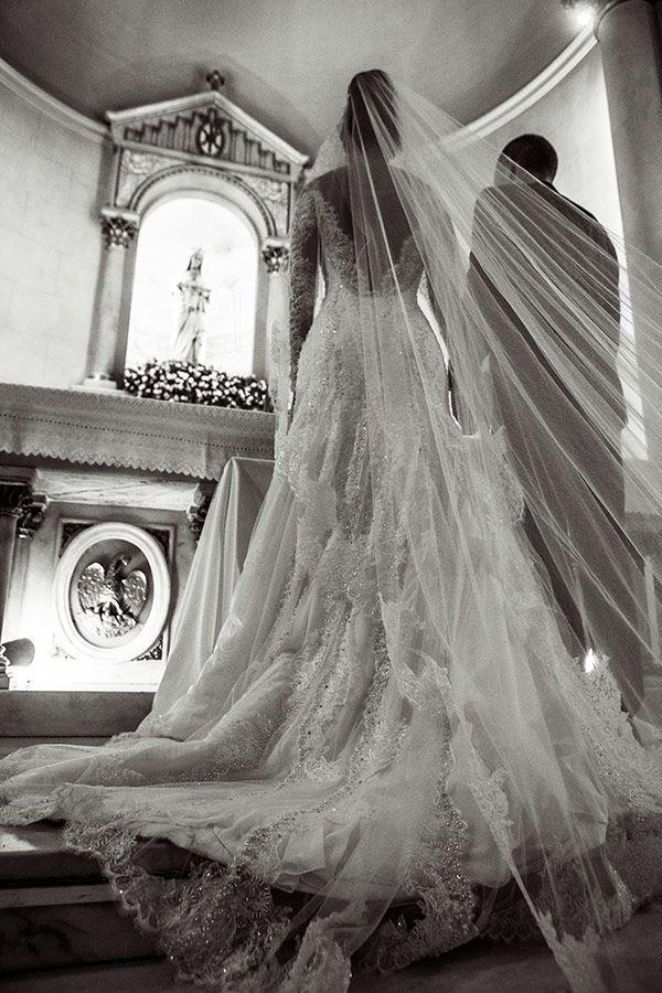 Wedding in São Paulo, Brazil. Dress: Paulo Dolce