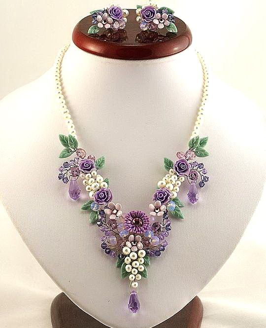 Beautiful flower jewelry by Alina Bondarenko | Beads Magic#more-4780