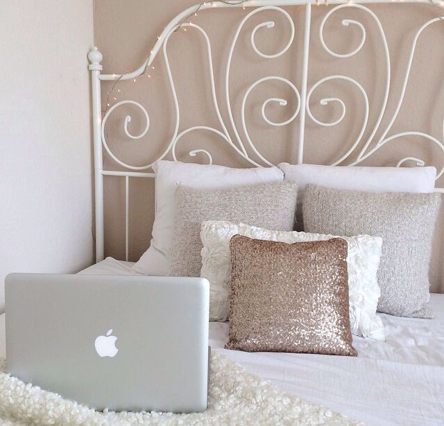 Tumblr Room Macbook Photo And Video Dream Homes 3 4 Beds Home Decor Interior Design Sweet Apple