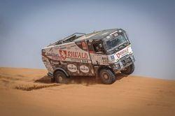 Dakar rally 2017 and Renault MKR Trucks #truck1 #automotivenews #renault #dakarrally
