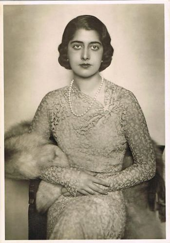 Prinzessin Maria Francesca of Savoy, Princess of Italy (1914 – 2001) was the youngest daughter of King Victor Emmanuel III and Queen Elena, a princess of Montenegro.  Maria married Prince Luigi Carlo of Bourbon-Parma, who was a brother of Queen Zita, the Empress of Austria.