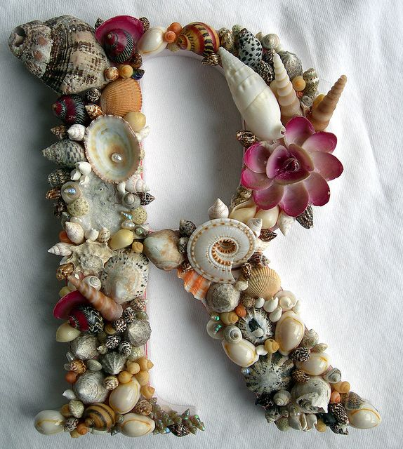 R for Robinson:) I need to make this with random shells we find at the beach!!!!! <3