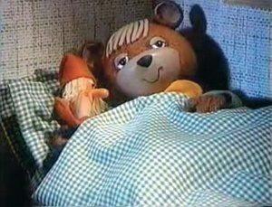 Hungarian Tv-bear says 'Good Night' for children :-)