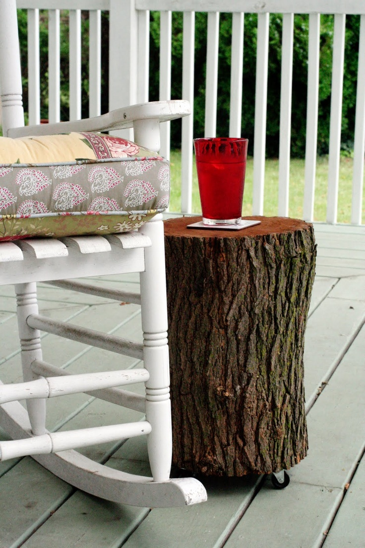 Upcycled diy tutorial a log table chalkboard sign or for Upcycled tree stumps