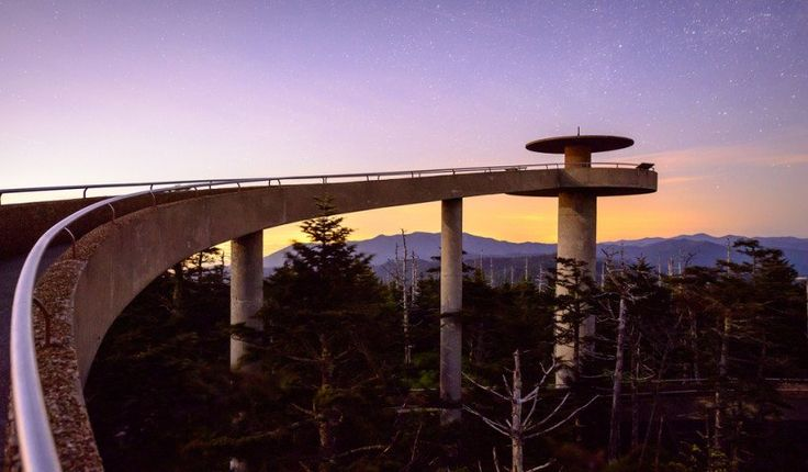 Observatorio en la Montaña Dome ' Parque nacional de las Grandes Montañas Humeantes, Tennessee,  Plataformas de Observación Más asombrosas de norteamérica