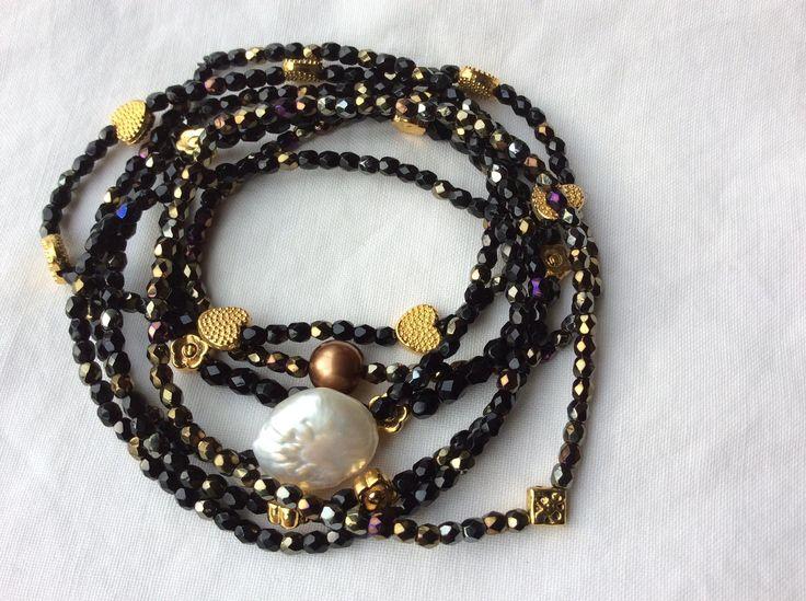 Kig forbi og se de skønne smykker fra Eliza Copenhagen.