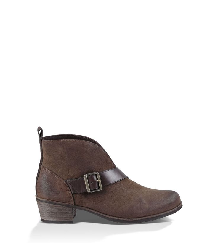 FOOTWEAR - Courts UGG 07D23