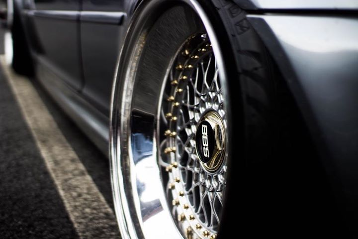 Custom Built BBS RS made by : Paul Ehrlich. Specs: 5x120 18x10 / 18x12 ET 11  Tires are 225/35   275/35