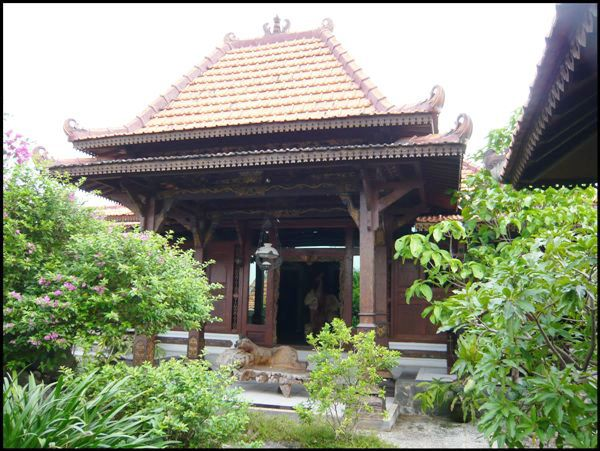 Minimalist House Design Idea from Central Java Indonesia for Front of Home