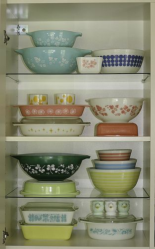 Lovely~ Pyrex Display