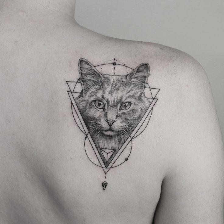 Awesome Geometric Tattoo Geometric Cat Tattoo Geometrictattoo Animaltattoo Tattoo Cattattoo Geometric Cat Tattoo Cat Tattoo Designs Geometric Cat