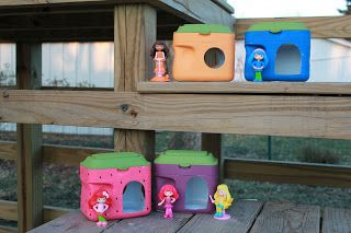 Recycled Formula Containers into doll houses (or action figure playset?)