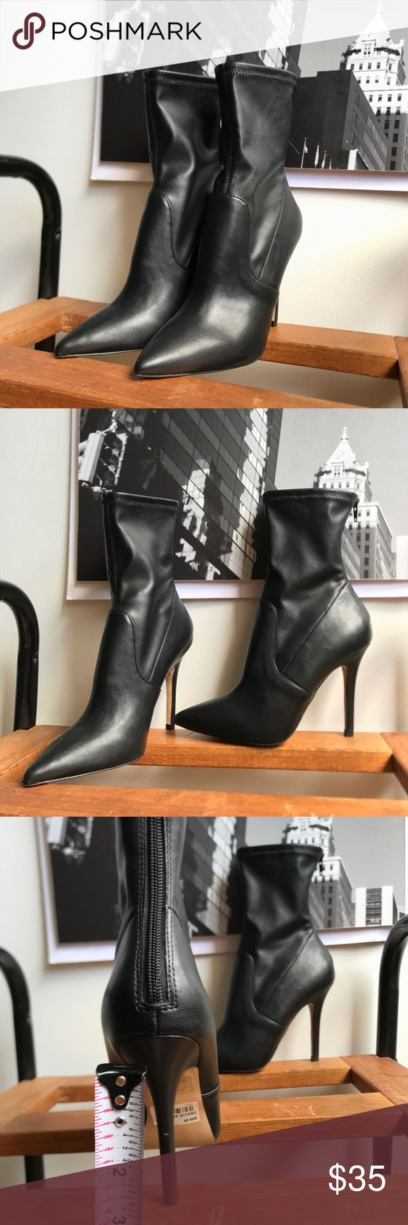 🙌🏾Brand New Aldo Ankle Boots #0183NW Brand new Aldo faux leather ankle booties with stretch material around the ankle area & lower leg area for a closer fit. #women #booties #anklebooties #boots #Aldo #size6 Aldo Shoes Ankle Boots & Booties