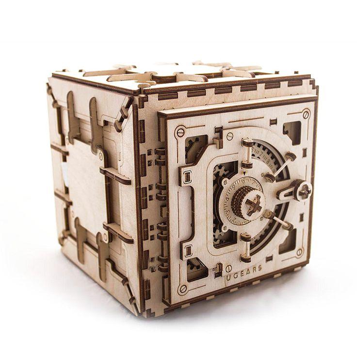 Сейф UGEARS - это механический 3D пазл из дерева. Оригинальный и экологичный конструктор для детей и взрослых.