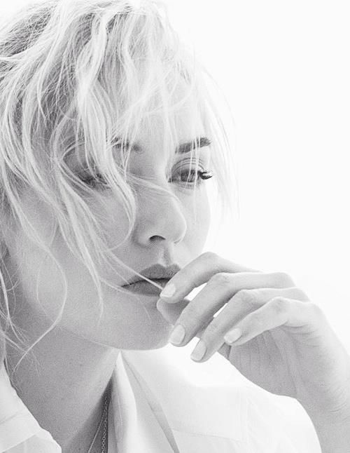 Kate Winslet. Love her, she is stunning