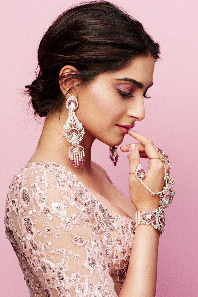 Best 25 Sonam Kapoor Ideas On Pinterest Sonam Kapoor