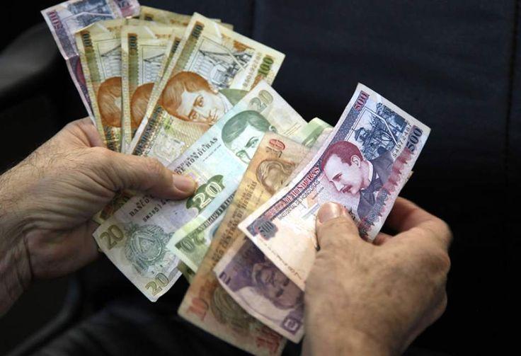 Honduras: Deuda externa del sector privado baja en $250.1 millones  Los desembolsos registrados a octubre de 2016 ascienden a 559.7 millones de dólares. El restante 20.8% (266.2 millones de dólares) es a corto plazo, del que 243.7 millones es del sector financiero y 22.5 millones el no financiero.