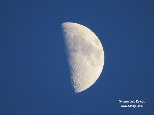 Luna en cuarto creciente a la puesta de sol. La Guardia (Toledo)