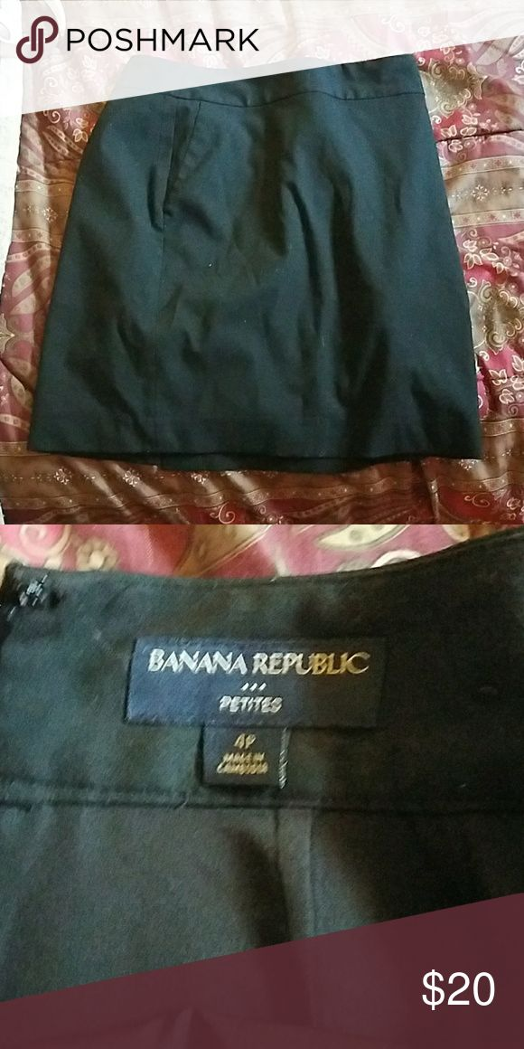 Nanna republic pencil skirt Size 4 petite pencil skirt Banana Republic Skirts Pencil