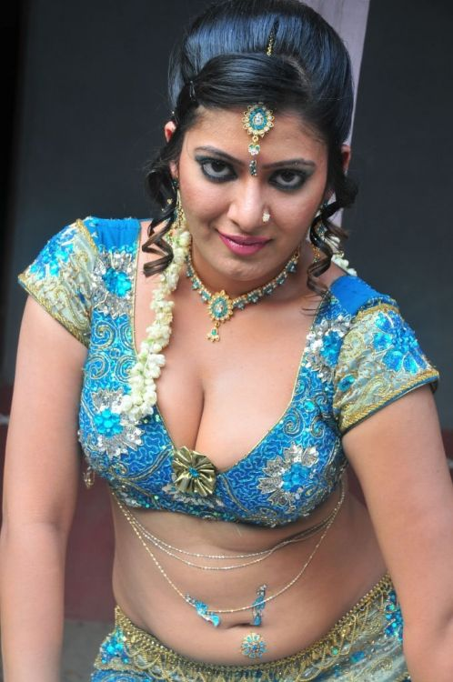 OPAL: Tamil womens hot photos