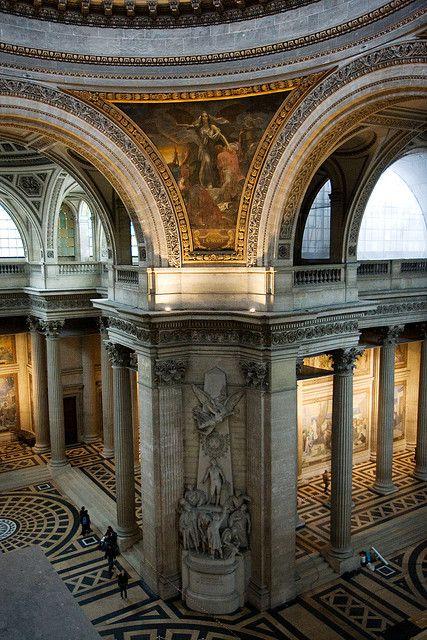 Interior del Panteón de #Paris, uno de los primeros monumentos neoclásicos del país. http://www.viajaraparis.com/lugares-para-visitar-en-paris/panteon-de-paris/ #turismo #Francia