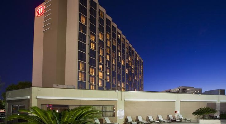 Hilton Houston Southwest Houston Situated in Houston, 5 km from the Galleria, Hilton Houston Southwest features an outdoor pool and a fitness centre. NRG Stadium, Medical Center and Rice University are within a 10-minute drive.