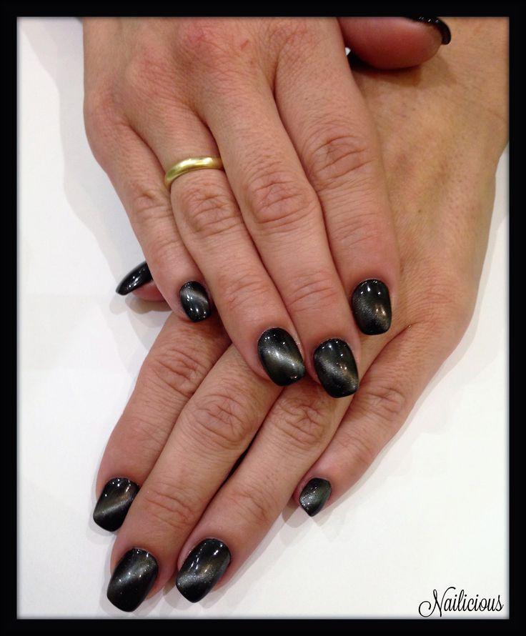 Grey Cat Eye Nails