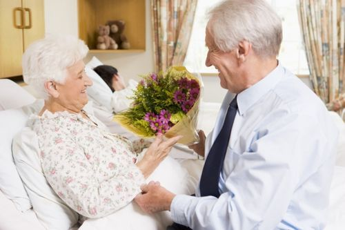 Kindness Idea: Give Flowers to Someone - single stems to random people on the street, drop a bouquet at someone's door and run, buy a bouqet at the grocery store and give it to the cashier or bag person, give flowers to a sick or elderly person, to a friend who needs a pick-me-up, etc.
