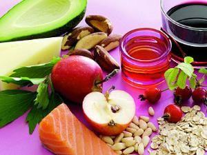 Белковые диеты,  Проверенный способ - использовать для благой цели протеины. Сколько нужно получать в день белка, чтобы похудеть, и какие продукты являются его оптимальными источниками? PrevNext 1 / 1 0 0 По последним данным, мы должны получать в день по 1 грамму белка на каждый килограмм нашего веса. В случае активного похудения и усиленных занятий фитнесом этот показатель увеличивается до 1,5 грамма. При оптимальном раскладе, 10