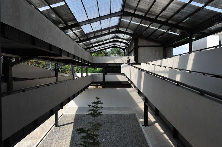http://www.arsitekturindonesia.org/arsip/proyek/detail?oid=16