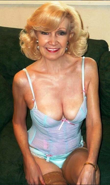 fine older women nude