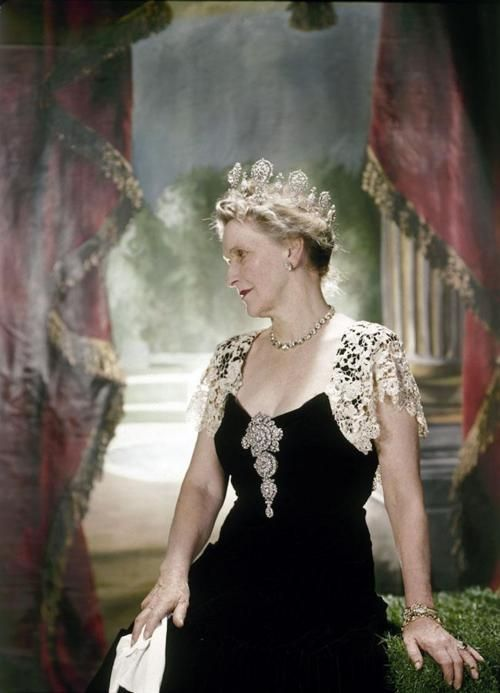 Viscountess Nancy Astor - 1936  Her tiara has the historic 55 carat Sancy diamond as its central stone. It was a wedding present from her father-in-law William 1st Viscount Astor. Sold by her grandson the current Viscount it is now back in the Louvre.