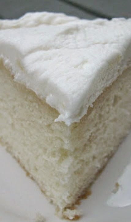 White Almond Wedding Cake - Rincón Cocina - not completely from scratch, I'll try to get over that.