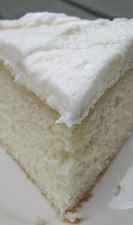 Rincón Cocina: White Almond Wedding Cake