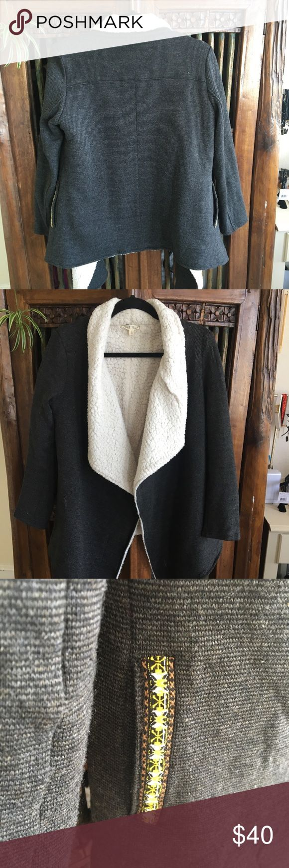 Shearling Mexican blanket style open jacket This open style shearling jacket/sweater is great for a sunny day where u don't need a jacket but want to be warm. The cute detail on the pocket I love. It's fully lined down the sleeves so gotta love that 🌸 Sweaters Shrugs & Ponchos