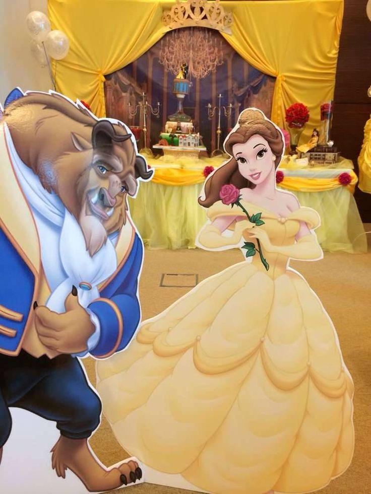 Si Bella es tu princesa favorita, te comparto lindas ideas para decorar tu fiesta basadas en el romántico cuento francés. Los colores que predominan son el amarillo, como el ultimo vestido que usa …