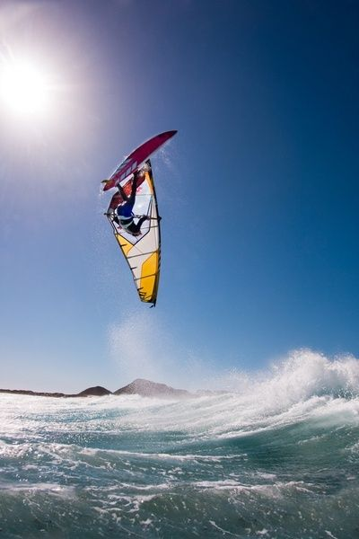 xtremerhd: Upside down #windsurf