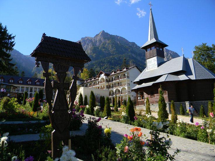 Manastirea Caraiman este o manastire ortodoxa aflata in localitatea Busteni, la poalele masivului Caraiman.   Altitudinea medie a orașului Bușteni este de 850 m. Este una din cele mai populare stațiuni de munte, oferind panorame spectaculoase, o mulțime de oportunități și activități de vacanță, de la schi la excursii montane. Are o populație de 10.463 locuitori.