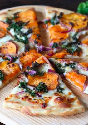 Sweet Potato Kale Pizza with Rosemary & Red Onion--used ricotta with the rosemary, drizzled with balsamic vinegar in place of putting it on the kale.