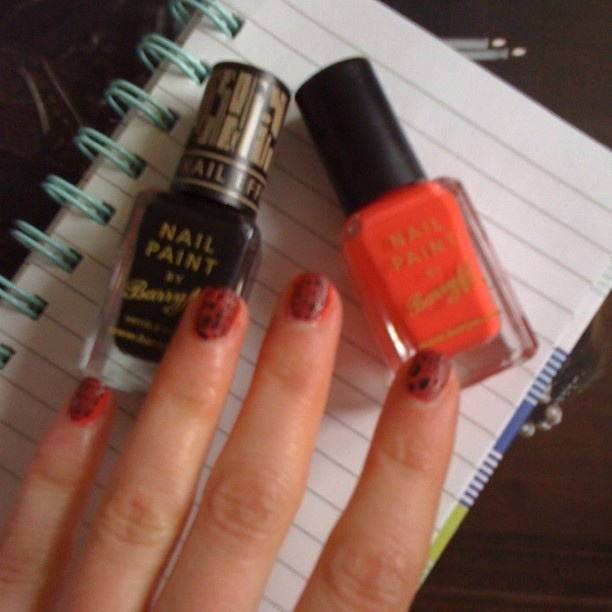 This idea was from @JWo79 nail varnish Barry M coral and black nail effects.