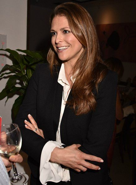 """In the evening of March 28, Princess Madeleine of Sweden and Christopher O'Neill attended a charity event at the San Lorenzo in London, UK. A documentary film called """"The Calling: Heal Ourselves Heal Our Planet"""" was watched at the event."""