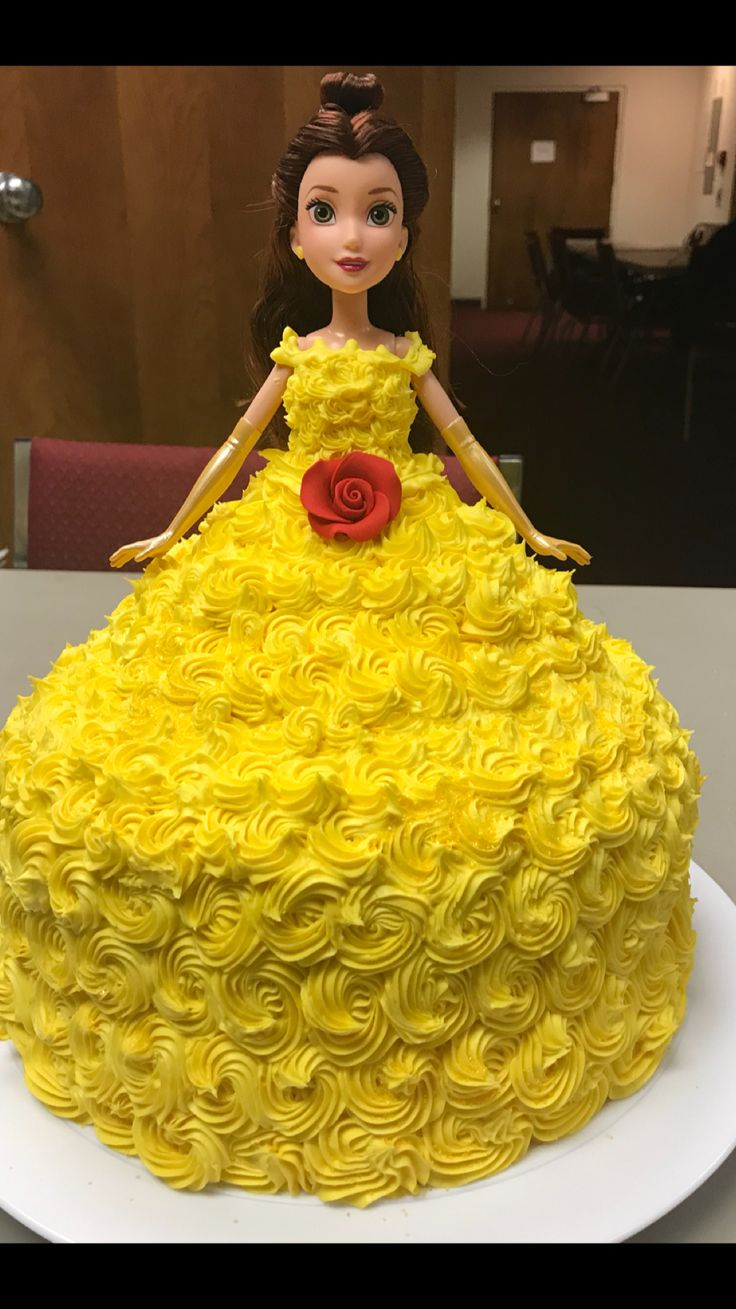 Belle cake, the cake that little girl dreams are made of!