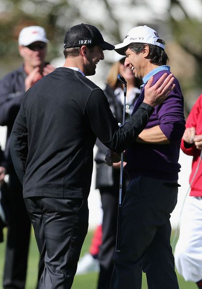 Aaron Rodgers Photos - Actor Ray Romano (R) is congratulated by Green Bay Packers quarterback, Aaron Rodgers during the 3M Celebrity Challenge ahead of the AT&T Pebble Beach National Pro-Am at Pebble Beach Golf Links on February 5, 2014 in Pebble Beach, California. - AT&T Pebble Beach National Pro-Am: Previews