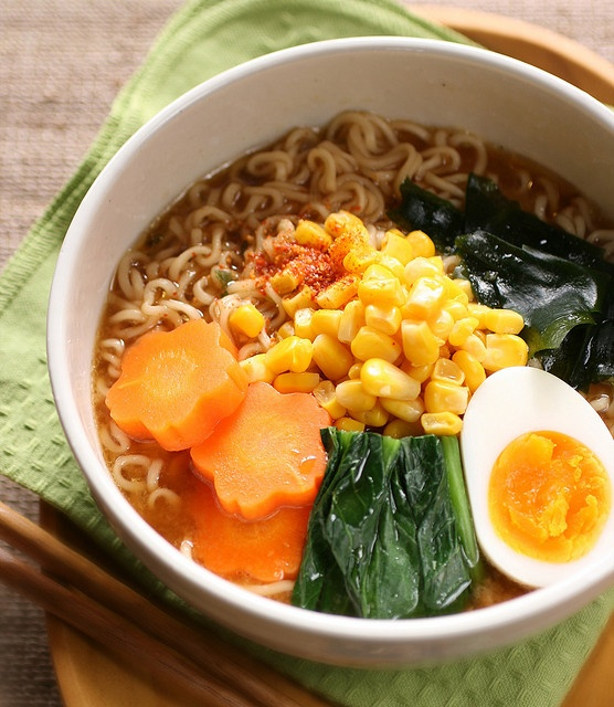 Japanese food: instant noodles.....Oh!To be sure, they are instant ramen noodles.